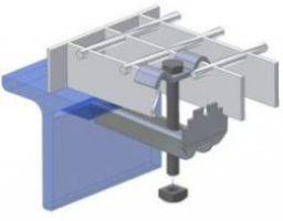 Infästning av gallerdurk till konstruktionsprofil.